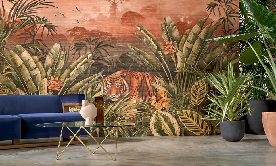 boutique-farrow-and-ball-grenoble-decor-papier-peint-tigre-et-canape-bleu